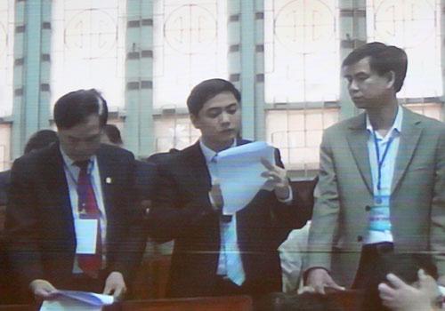 Đại diện ngân hàng Agribank tại phiên toà.