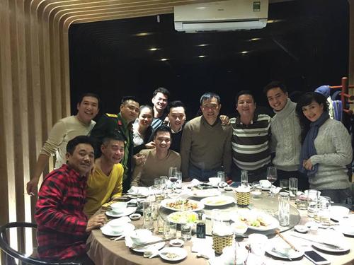 Chí Trung đăng ảnh các nghệ sĩ được cho là sẽ xuất hiện trong chương trình Táo quân 2016.